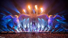 kineticFIELD Bask in the stirring majesty of this grand scenic stage. From the broadest beats to the biggest audible treats, you'll find the sounds energizing and the movement undeniable.