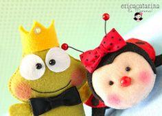 Saprncipe e dona Joaninha juntinhos... (Ei menina! - rica Catarina) Tags: handmade craft frog ladybug enfeites feltro sapo joaninha bichinhos chaveiro mariquita sapinho lembrancinhas