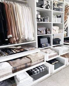 ▷ 1001 ideas for dressing room furniture that will enchant your home Dressing room closet, designing an ikea open wardrobe, clothes rail and small closet for bags, white and beige cozy workspace bedroom design. Walk In Closet Design, Bedroom Closet Design, Master Bedroom Closet, Closet Designs, Ikea Bedroom, Bedroom Furniture, Shelf Furniture, Wardrobe Furniture, Pipe Furniture