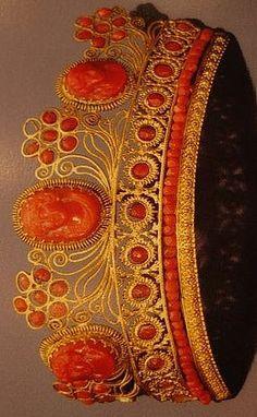 Coral and gold tiara, ca. 1810