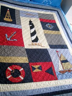Queen of the Armchair aka Dzintra Stitcheries: The Captain's Cottage at Long Beach. Colchas Quilting, Quilting Projects, Sewing Projects, Ocean Quilt, Beach Quilt, Nautical Quilt, Nautical Theme, Vintage Nautical, Boy Quilts