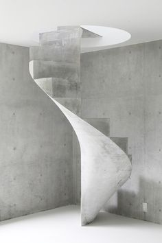These days, a concrete staircase is really famous for a modern house. The design of staircase with its concrete material is simple and easy to make. It is another option for you who want to design you Concrete Staircase, Concrete Architecture, Staircase Design, Contemporary Architecture, Architecture Details, Interior Architecture, Staircase Ideas, Concrete Board, Luxury Staircase