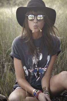VINTAGE floppy hat, band tee, shades