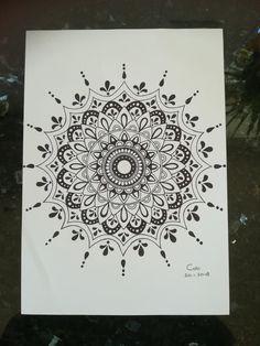 Mandala Art Lesson, Mandala Doodle, Henna Mandala, Mandala Tattoo Design, Mandala Drawing, Mandala Painting, Dot Painting, Doodle Drawings, Doodle Art