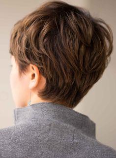 大人カッコ可愛いフレンチベリーショート(髪型ベリーショート) Short Hairstyles For Thick Hair, Short Hair Cuts For Women, Girl Short Hair, Pixie Hairstyles, Cool Hairstyles, Haircuts, Edgy Short Hair, Short Pixie, Shot Hair Styles