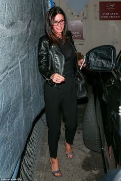 Courteney Cox is stylish in all-black ensemble as she heads to dinner Celebrity Outfits, Celebrity Feet, Courtney Cox, Celebrity Style Inspiration, Style Finder, Hair Color And Cut, All Black, Winter Fashion, Sexy Women