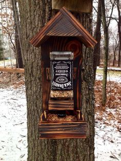 Diy Christmas Decorations For Outside Bird Feeders 15 Ideas Bird House Feeder, Diy Bird Feeder, Outdoor Projects, Wood Projects, Woodworking Projects, Christmas Wood, Outdoor Christmas, Outside Christmas Decorations, Wood Decorations