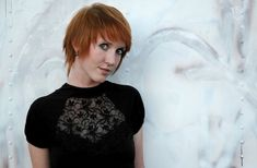 Choppy haircuts look bold and edgy, and one can try out different hair coloring ideas with these haircuts, to make them look even more stylish. This article helps with some haircut ideas that you can try out. Choppy Haircuts, Side Bangs Hairstyles, Layered Bob Hairstyles, My Hairstyle, Cool Haircuts, Cool Hairstyles, Short White Hair, Short Textured Hair, Layered Hair With Bangs