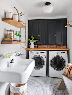 Below are the Farmhouse Laundry Room Storage Decoration Ideas. This article about Farmhouse Laundry Room Storage Decoration Ideas was posted White Laundry Rooms, Farmhouse Laundry Room, Small Laundry, Farmhouse Decor, Farmhouse Design, Basement Laundry, Farmhouse Ideas, Farmhouse Style, Laundry Area