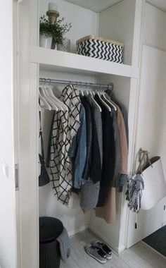 From the scaffolding tube to the cloakroom Home Renovation, Home Remodeling, Scandinavian Kitchen, Ceiling Design, Home Organization, Interior Design Living Room, Wardrobe Rack, Home And Living, Home Improvement