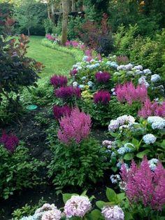 Creative flower garden ideas 00023 – # Check more at Landscape Edging Stone, Landscape Design, House Landscape, The Secret Garden, Design Jardin, Cottage Garden Design, Shade Plants, Front Yard Landscaping, Landscaping Ideas
