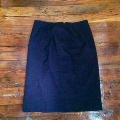 Kasper size 8 plum work skirt Size 8, plum, work skirt with zipper back and small slit in side, kasper brand Kasper Skirts Pencil