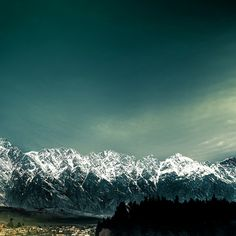 : New Zealand / mountains /