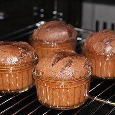 """381 Beğenme, 49 Yorum - Instagram'da Lezzet'i Halis - Halise Gölcü (@lezzetihalis): """"Çikolatalı Sufle ... Sufle tadında hafta sonları diliyorum .. Çikolatalı Sufle.. Malzemeler...…"""""""