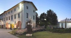 Hotel Settecento Presezzo Hotel Settecento, near Orio al Serio Airport and Bergamo, is a 17th-century Italian villa. It offers free WiFi and free access to an outdoor swimming pool and an indoor pool with hot tub.