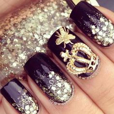 Classy black and gold...Queen bee !!