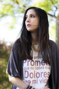 Hoy Patti de Shoes and Basics ha elegido uno de nuestros collares para complementar su look!! Lleva el collar Santander en Dorado, no se ve guapa?? Consíguelo en: http://www.marbcnshop.com/es/collares/174-collar-santander-dorado-corto.html