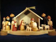 Richard-Glaesser-German-Natural-Wooden-Nativity-Set