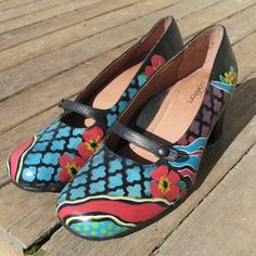 Hey, I found this really awesome Etsy listing at https://www.etsy.com/listing/236479202/hand-painted-leather-shoes