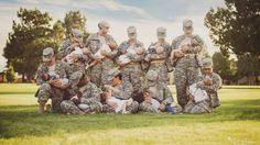 Imagen de las madres lactantes militares uniformadas. se hizo viral el Facebook