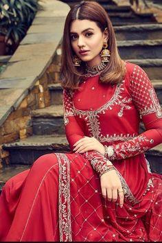 New Party Wear Dress, Party Wear Indian Dresses, Pakistani Fashion Party Wear, Pakistani Wedding Outfits, Pakistani Dress Design, Indian Outfits, Indian Fashion, Muslim Fashion, Hijab Fashion