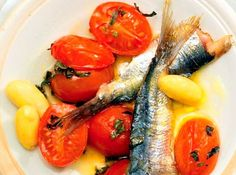 "Sardines in tomato sauce with herbs and sauce romanesco: sardine fillets, salt hot-pressed extra virgin olive oil ""Masseria Don Vincenzo"" by Tenuta Zimarino, pepper to taste, an orange and a lemon"