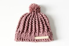 Crochet baby hat pattern with cables Source by Crochet Baby Hat Patterns, Crochet Baby Hats, Crochet Beanie, Crochet Clothes, Knitted Hats, Crochet Girls, Crochet For Kids, Diy Crochet, Love Crochet
