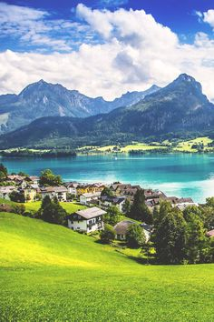 Enjoy a sunny day in the picturesque town of St. Wolfgang in the Salzkammergut region, Austria  #austria #salzkammergut #stwolfgang #summer #lake #mountains #visitaustria