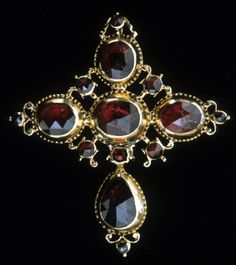 French Croix Badine 18th century from Perpignan, France. Garnet set in gold.