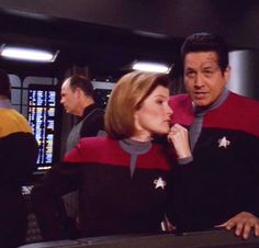 Janeway and Chakotay Robert Beltran, Captain Janeway, Kate Mulgrew, Lt Commander, Star Trek Voyager, O Donnell, Another Man, Love Stars, My Heart Is Breaking