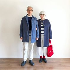 ボーダーコーデ◼️◼️◼️ 肌寒いけど日差しが春めいていた休日、ボーダーを着たくなりました。 コートは前picと同じ。 bon ・ボーダーT(UNIQLO) ・パンツ(GAP) pon ・ボーダーT(UNIQLO) ・ワイドパンツ(GU) #couple #over60 #fashion #coordinate #outfit #ootd #instafashion #instaoutfit #instagramjapan #greyhair #夫婦 #60代 #ファッション #コーディネート #夫婦コーデ #今日のコーデ #グレイヘア #白髪 #共白髪