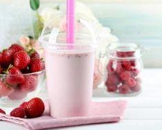 Milkshake light aux fraises comme aux States : http://www.fourchette-et-bikini.fr/recettes/recettes-minceur/milkshake-light-aux-fraises-comme-aux-states.html