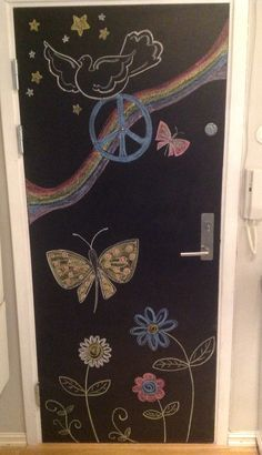 My new wall art makes me smile everyday before I leave the house. #chalkwall #chalkdoor #wallart