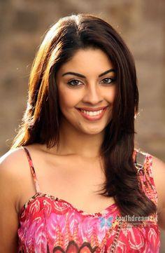 South indian glamour actress richa latest item dance photos 19