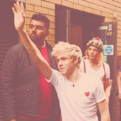 Pay no attention to leprechaun Lou in the back there.<< IMPOSSIBLE