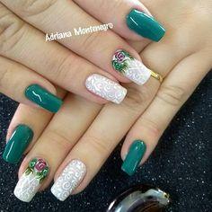 Mani Pedi, Pretty Nails, Nail Art Designs, Acrylic Nails, Finger, Nail Polish, Garra, Dark Nails, Green Toe Nails