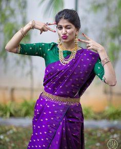 Dark Violet and Green Kanchi saree Pattu Saree Blouse Designs, Half Saree Designs, Bridal Blouse Designs, Saree Wearing, Designer Silk Sarees, Sr1, Saree Models, Saree Look, Elegant Saree