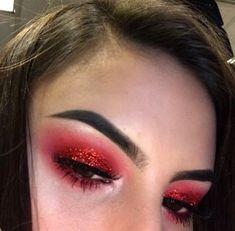 Red Eye Makeup, Rave Makeup, Makeup Eye Looks, Glitter Makeup, Pretty Makeup, Red Glitter Eyeshadow, Devil Makeup Halloween, Halloween Eyes, Halloween Makeup Looks