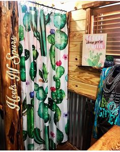 38 Exciting Cactus Decor Ideas For Your Home Western Style, Hm Deco, Cactus Shower Curtain, Western Bathrooms, Cactus Decor, Western Homes, Diy Home, My New Room, First Home
