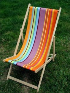 perfect for outside!  (French Riviera deck chair from Les Toiles du Soleil)