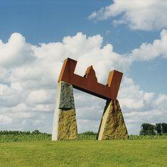 Gjalt Blaauw (Grouw, 15 januari 1945) is een Nederlandse beeldhouwer en tekenaar. Contemporary Artists