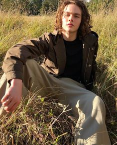 General picture of Levi Miller - Photo 22 of 202 Levi Miller, Davis Cleveland, Charlie Rowe, Owen Joyner, Aaron Carter, A Wrinkle In Time, Human Poses, Actor Picture, Video New