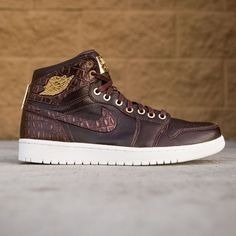 23e6aac2ba1 Air Jordan 1 Pinnacle Men (brown   baroque brown   metallic gold   summit  white). Topánky NikePánske TeniskyNike ...