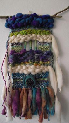 Click para agrandar las imagenes Weaving Textiles, Weaving Art, Loom Weaving, Tapestry Weaving, Hand Weaving, Weaving Projects, Crochet Projects, Yarn Crafts, Fabric Crafts