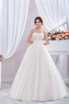 "Wedding dress by Belleza e Lusso. Collection ""Piano"" / Свадебное платье от Belleza e Lusso. Evening Dresses, Tulle, Wedding Dresses, Collection, Design, Fashion, Moda, Evening Gowns, Bridal Dresses"