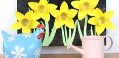Com um quadro com flores de material reutilizado os seus ambientes vão ficar muito mais descontraídos e leves.