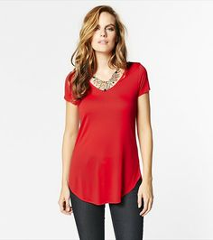 An essential in every wardrobe. This V-neck tee is perfect for wearing underneath blazers to achieve a business casual look. Business Casual, Casual Looks, V Neck T Shirt, Style Me, Tunic Tops, Fashion Outfits, How To Wear, Shopping, Clothes