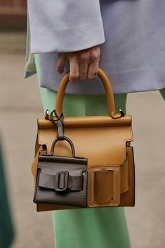 Stylish Handbags, Fashion Handbags, Tote Handbags, Purses And Handbags, Fashion Bags, Leather Purses, Leather Wallet, Leather Bag, Cute Bags