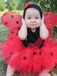 Lady Bug Tutu Costumes by TheCreatorsTouch on Etsy Cute Halloween Costumes, Tutu Costumes, Costume Ideas, Halloween Clothes, Halloween Halloween, Vintage Halloween, Halloween Makeup, Girls Dress Up, Dress Up Outfits