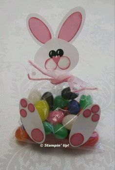 Di Kari Punch Art Jelly Belly Bunny from Flowerbug's Inkspot Easter Candy, Hoppy Easter, Easter Gift, Bunny Crafts, Easter Crafts, Arte Punch, Diy And Crafts, Crafts For Kids, Punch Art Cards